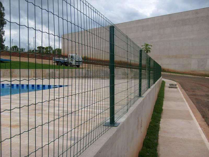 Belgo fortinet telas e tanque rede rhv for Tela para muro verde